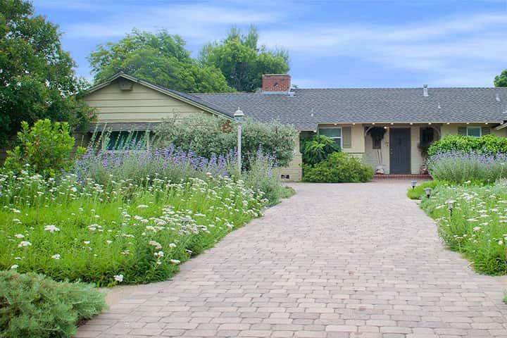 Garden 27 in Northridge
